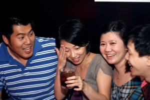 Aiyo! How many have I had? Cannot remember....2 lovely couples (Soojin (Chiam), Wyn Ni, Ms Tan and Chen Hoe)