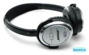 Bose Quiet Comfort 3 - Pic courtesy http://www.interweb.in/attachments/other-gadget/19907d1227954926-nice-bose-qc3-headphones-nice-bose-qc3-headphones.jpg