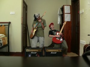 Again the two rockstars - Hey, where these pictures taken on timer? haha