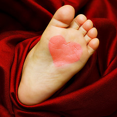 http://baby-footprint-graphic.com/images/picture_of_baby_footprint/picture_of_baby_footprint_red_heart.jpg